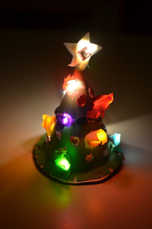 21 Creative And Easy To Make Christmas Decorations Holidays