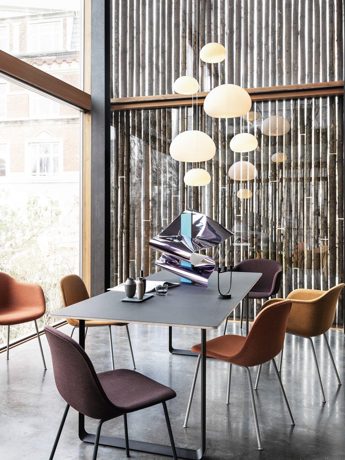 DesignOrt Blog: Designerleuchten aus Opalglas Glaslampe Fluid von Muuto bei DesignOrt Berlin