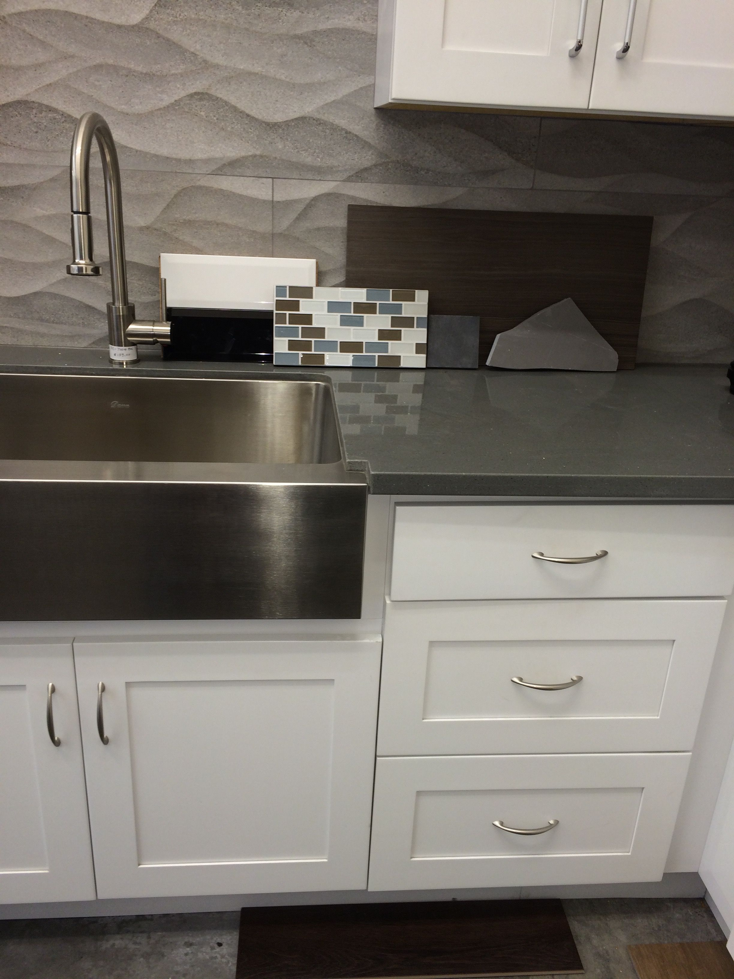 The Flat Drawers And Cabinets In White Grey Quartz Countertop