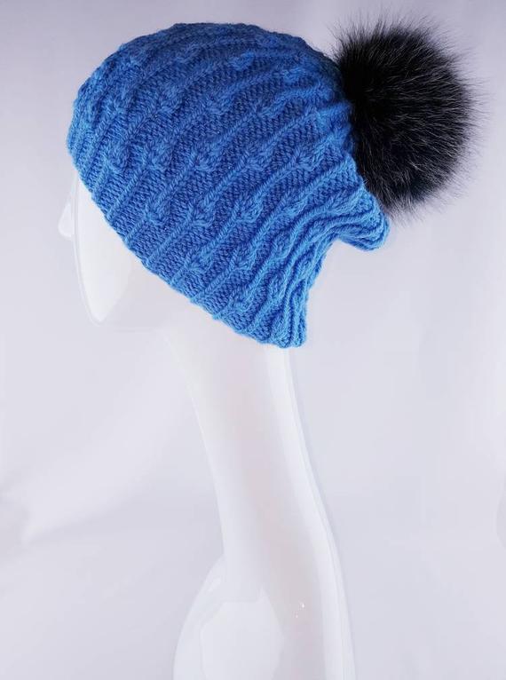 1b884973afe Woman winter knit hat