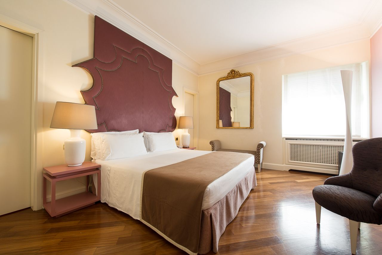 47 Luxury Suite Colosseo collection: the pink bedroom.  #luxurysuite #luxury #rome #italy #travel #bedroom
