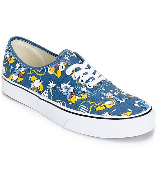 1dfd36b9062 Add an iconic and timeless new style to your wardrobe with an all over  Donald Duck print on a navy canvas upper and a flexible vulcanized  construction.
