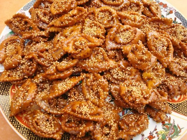 Learn to make moroccan chebakia with these step by step photos learn to make moroccan chebakia with these step by step photos forumfinder Gallery