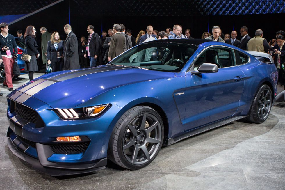 Ford Mustang Gt350r May Have Destroyed Camaro Z 28 S Ring Record