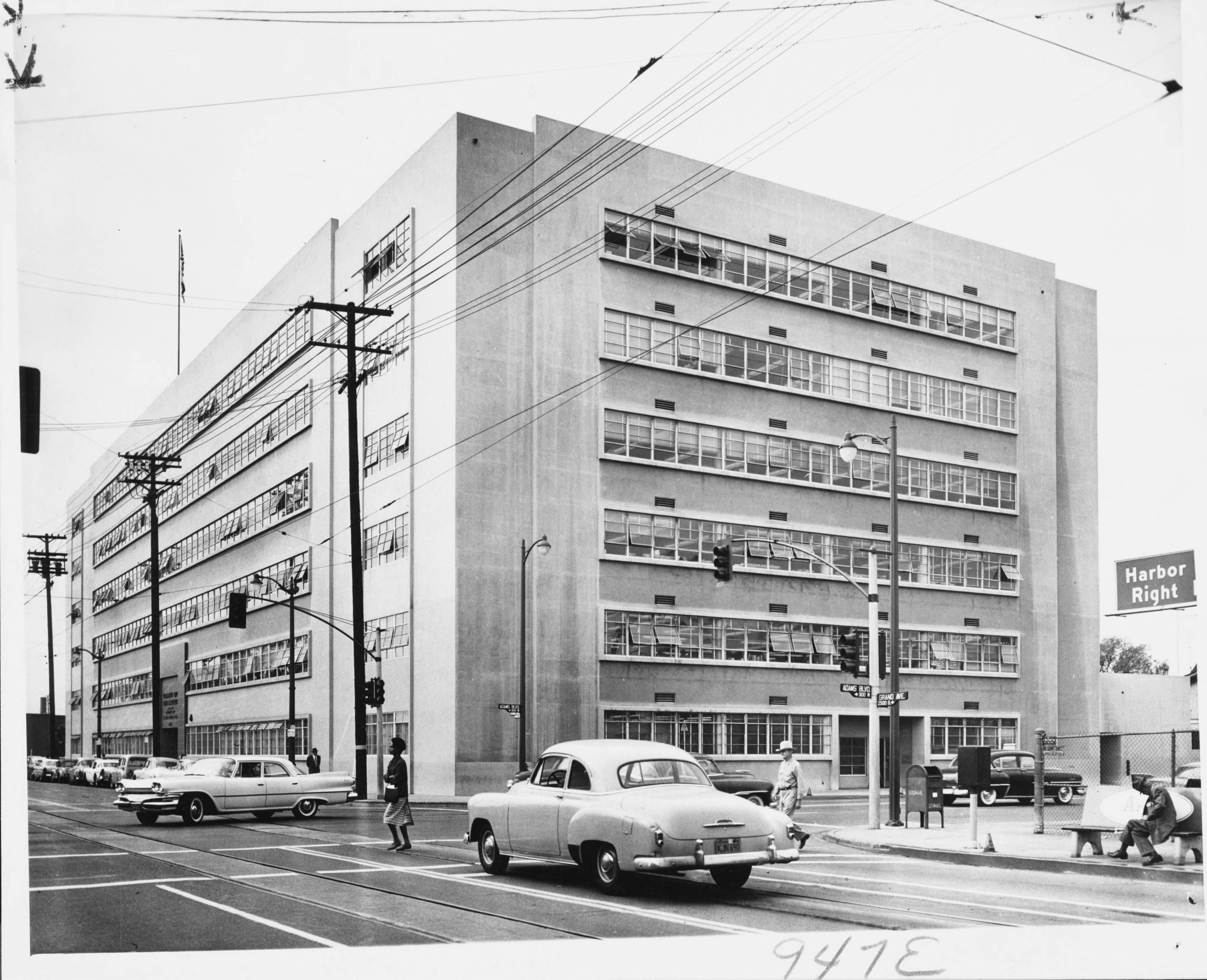 Welfare Building 2615 S Grand Ave Los Angeles 1959 Photograph 20 000 Per Month The Board Of Supervisors Vintage Los Angeles Los Angeles La History