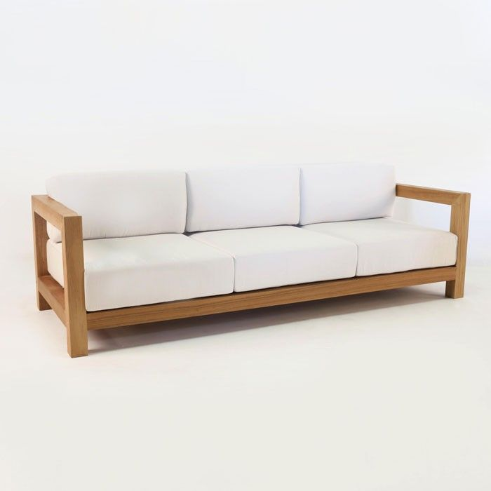 A 3-seat outdoor teak sofa that\'s a masterpiece of all ...