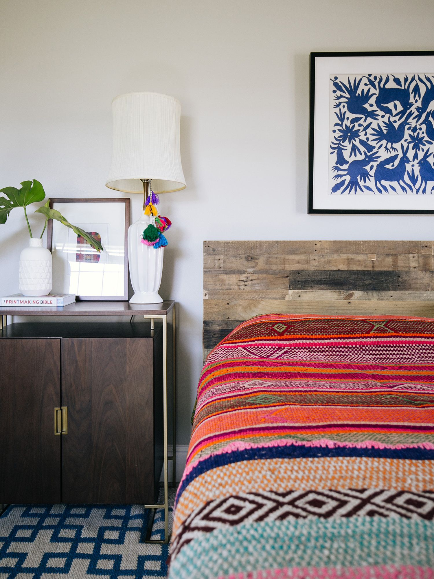 Decorating with peruvian textiles in 2019 bedrooms for Hotel home decor