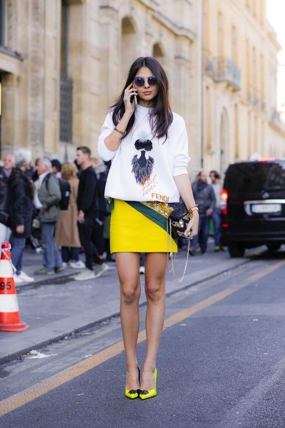 Street Style : ajouter une touche jaune à votre été   MODE
