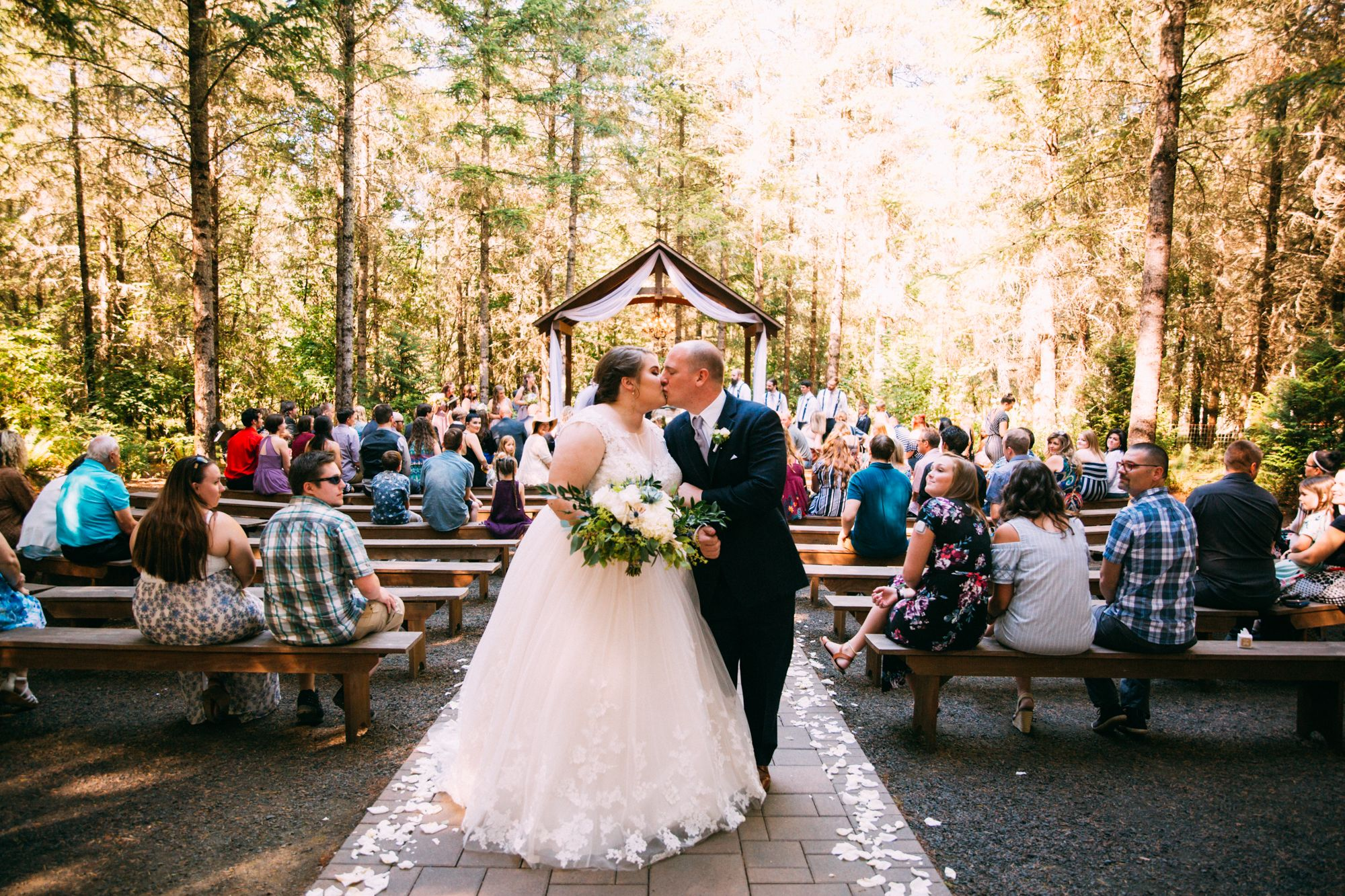 Outdoor Wedding Three Strands Farm Oregon Portland Wedding Photographer Sarah Lynn Photogra In 2020 Portland Wedding Photographer Portland Weddings Outdoor Wedding