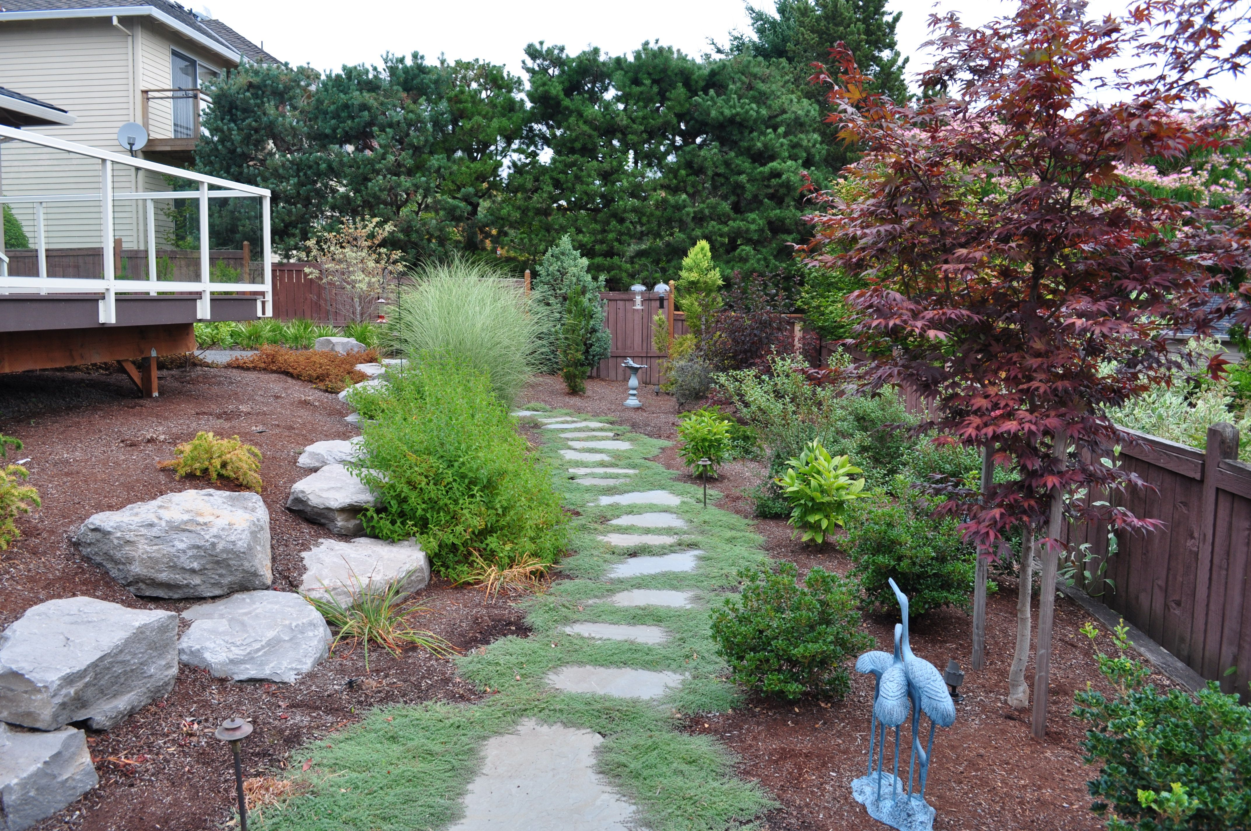 Bluestone steppers with thyme by landscape east west for Patios portland oregon