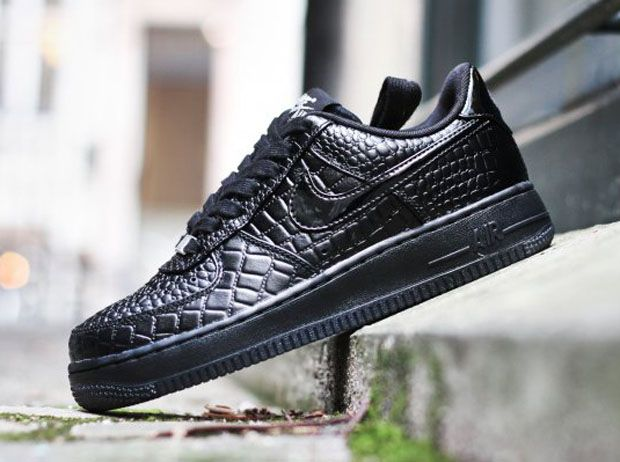 womens nike air force 1 black crock