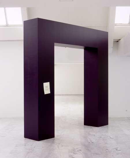 Gilles BARBIER Porte spatio temporelle en panne 2001 Bois, peinture