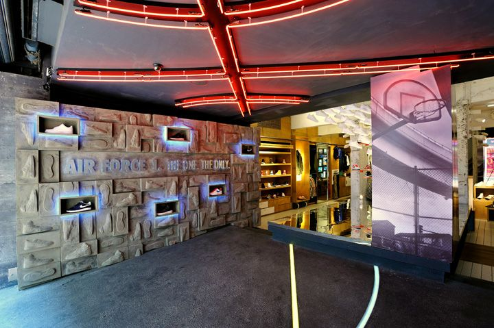 Nike PS7 Store Air Force 1 Promotion Display By Studio ARRT Hong Kong Visual Merchandising Design