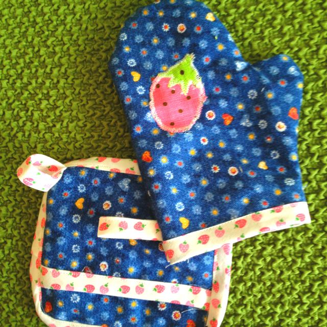 Kids Kitchen Mittens  Stuff To Make  Pinterest  Mittens Sewing Unique Kitchen Mittens Design Ideas