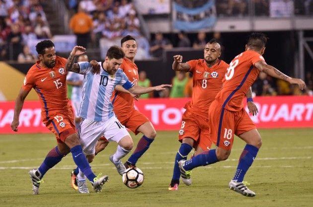 Argentina Chile En Vivo Y En Directo Marca Com Fotos De Messi Imagenes De Futbol Partido Argentina