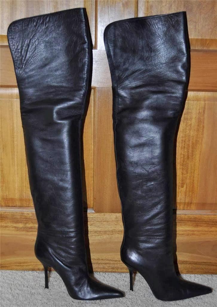 b4029b2e018 Vintage Dolce   Gabbana thigh-high boots