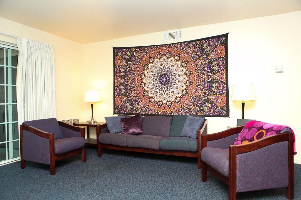 Sonoma State UniversitySauvignon Village living room