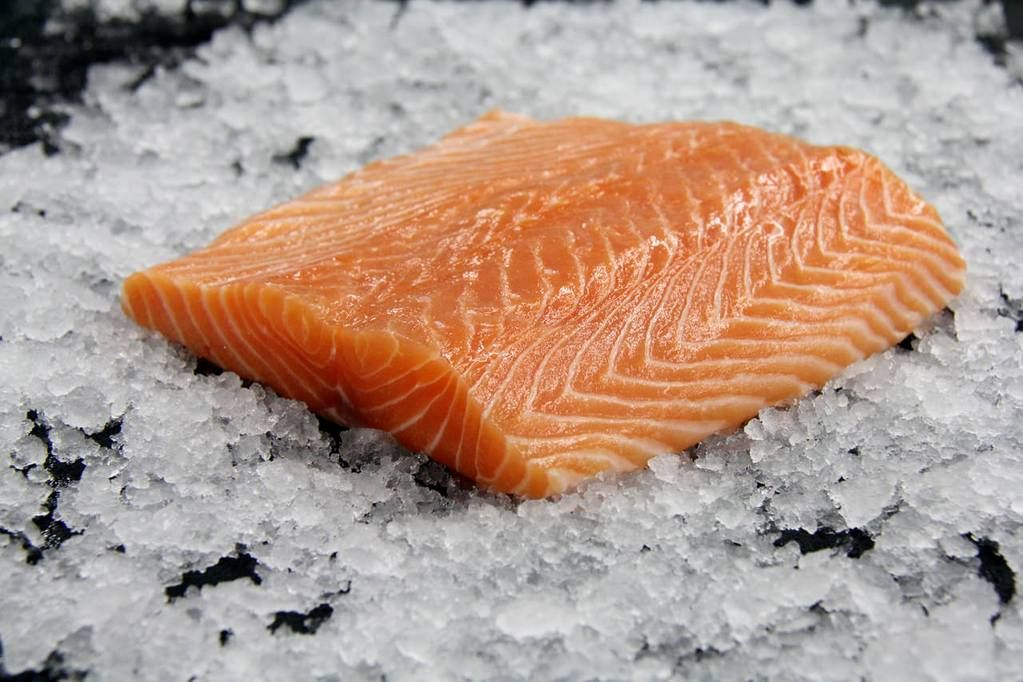 Frozen Farmed Sushi Grade Canadian Salmon Fillet (Sake