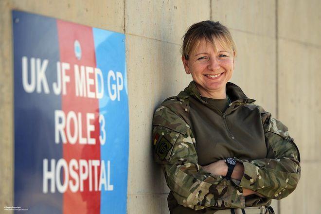 Opera Mundi - Exército do Reino Unido vai enviar mulheres para linha de frente de combate em 2016