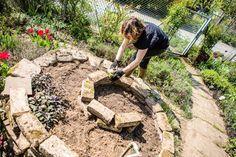 Bauanleitung für eine Kräuterspirale #kleinekräutergärten
