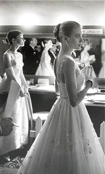 Grace Kelly & Audrey Hepburn. Could this be any more perfect?!