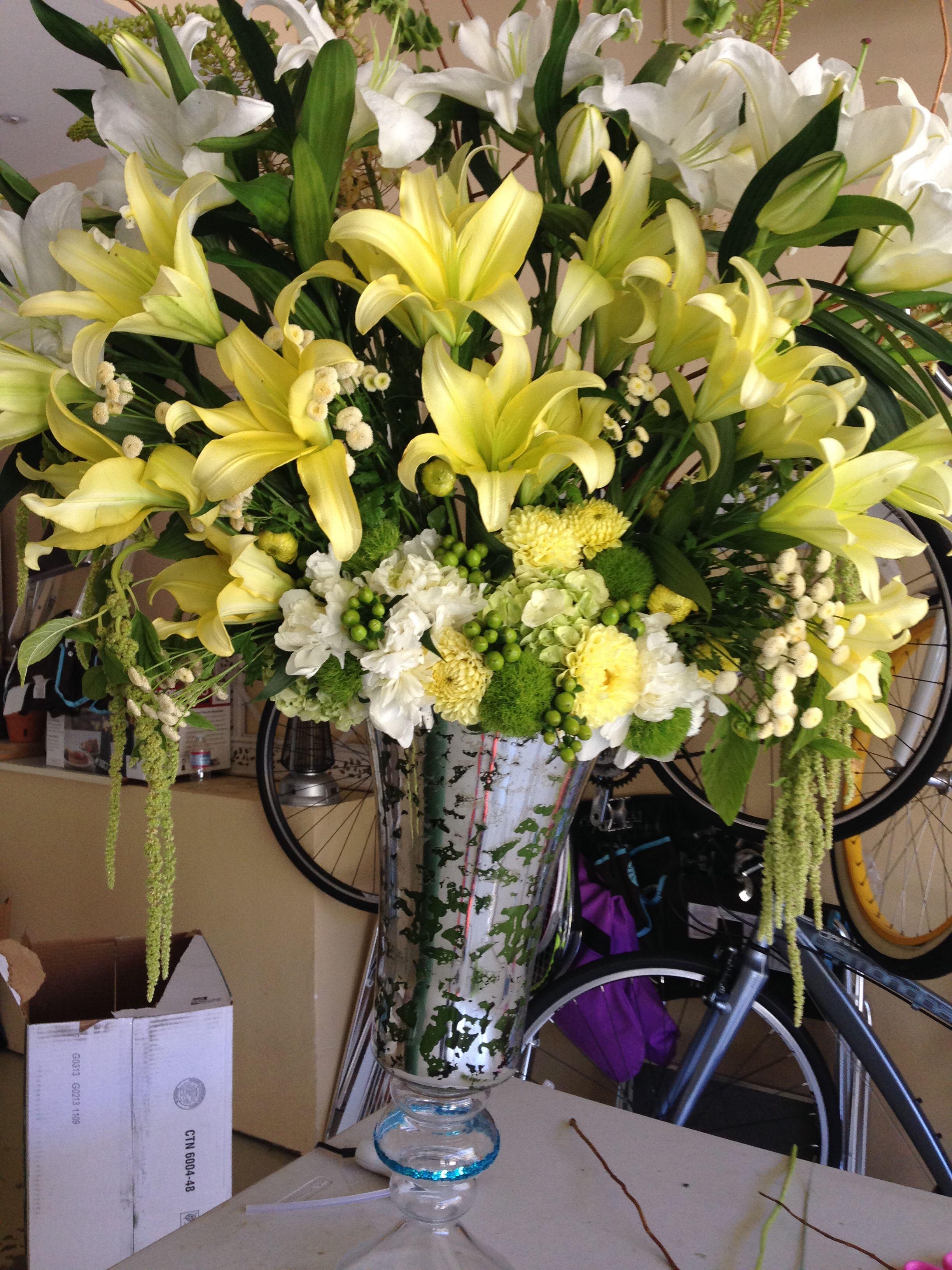 Flower For Gratulationyellow Arrangemenstar Gaza Yellow Flower
