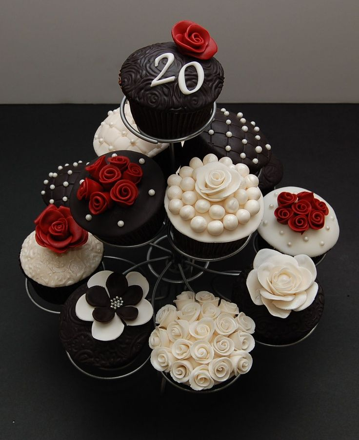 Elegant Black And White Anniversary Cupcakes Party Noms