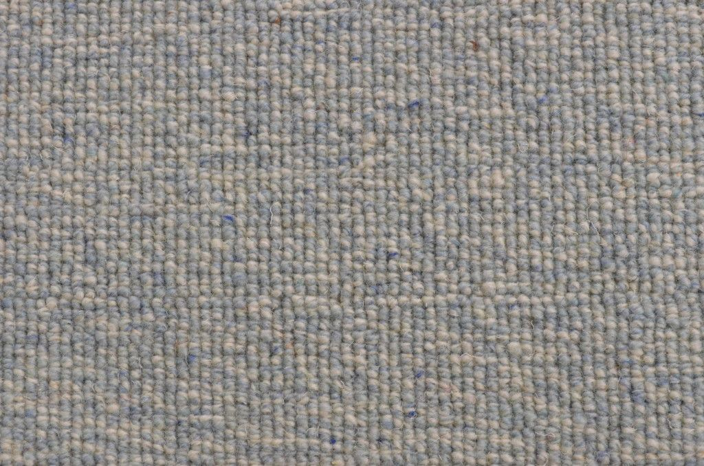 This Tufted Wool Carpet Remnant 0042t With A Textured