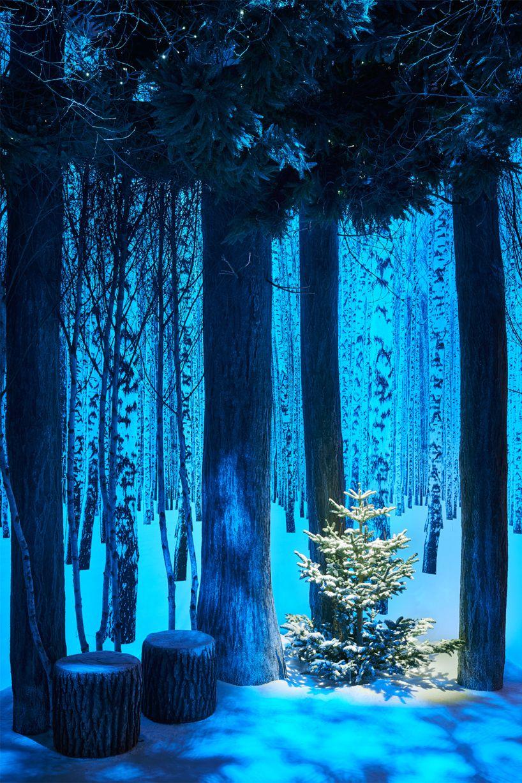Claridge's Christmas tree art installation