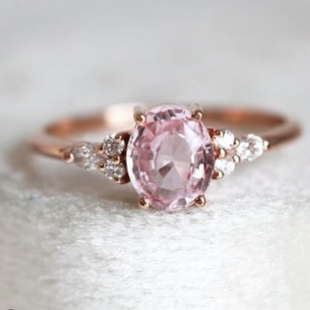 75 Unique engagement rings with Glamorous Charm - Gorgeous engagement ring #engagementring #engaged #diamondring #diamondengagementring #wedding #engagementrings #uniqueengagementring