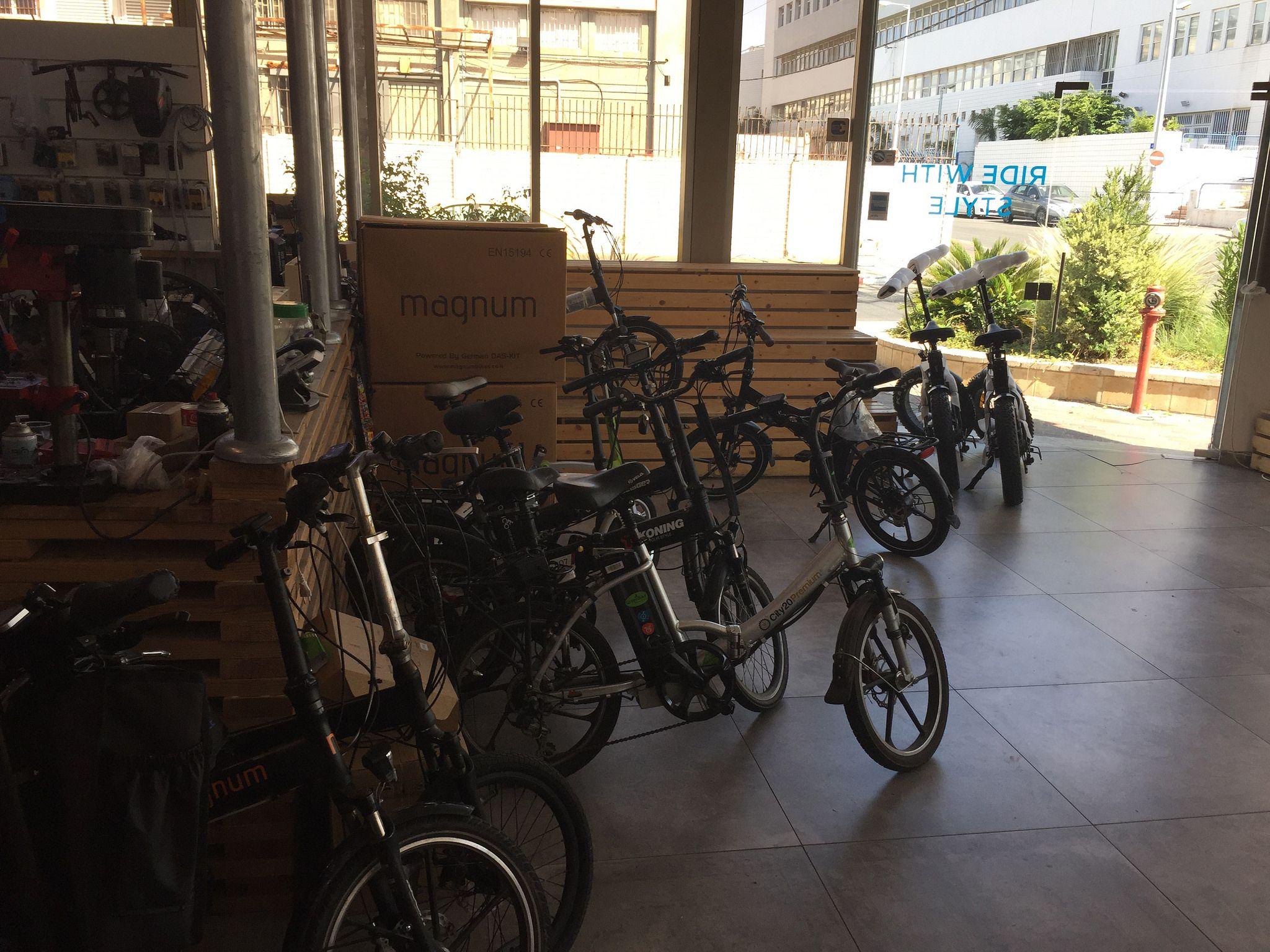 https://flic.kr/s/aHskXwzj5r | אופניים חשמליות דגם דארק נייט ברשת אורבניקו |  אופניים חשמליות  - מותגי אורבניק במבצעים. ועכשיו דגם דארק נייט בעיצוב חדש, היכנסו לראות. מבחר דגמים בעלי תו תקן ישראלי ואירופאי. urbanico.co.il/החנות-שלנו