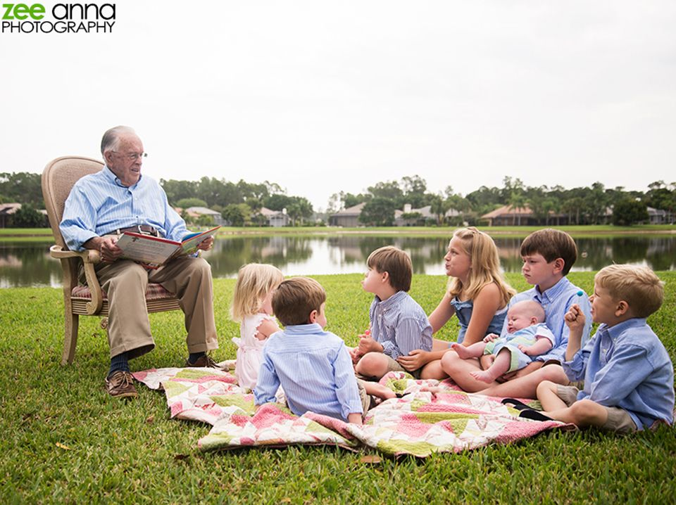 Naples Family Session | Extended Family from Zee Anna Photography. I love this shot!! #grandkidsphotography