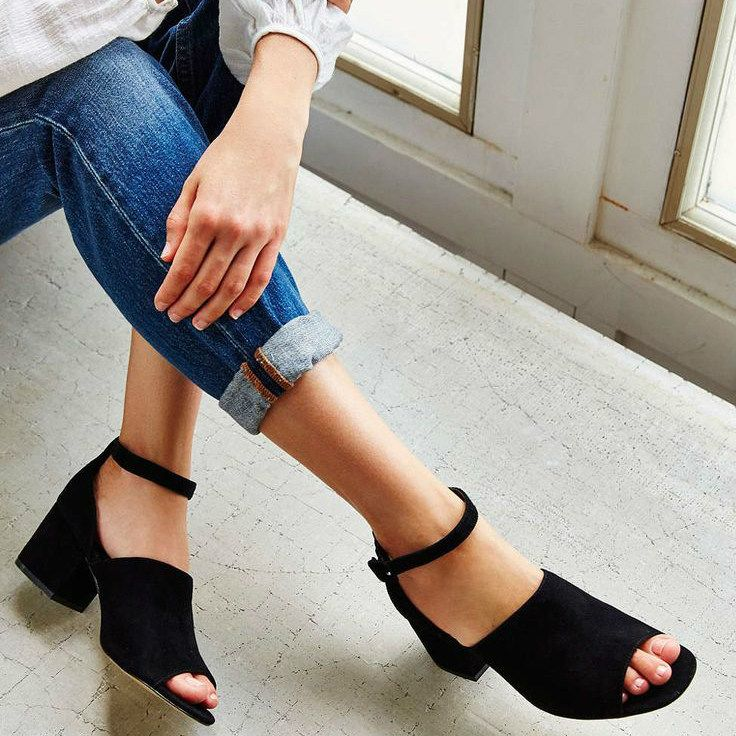 b7b21441a Sucesso entre as fashion girls do mundo todo, os sapatos de salto bloco são  sem