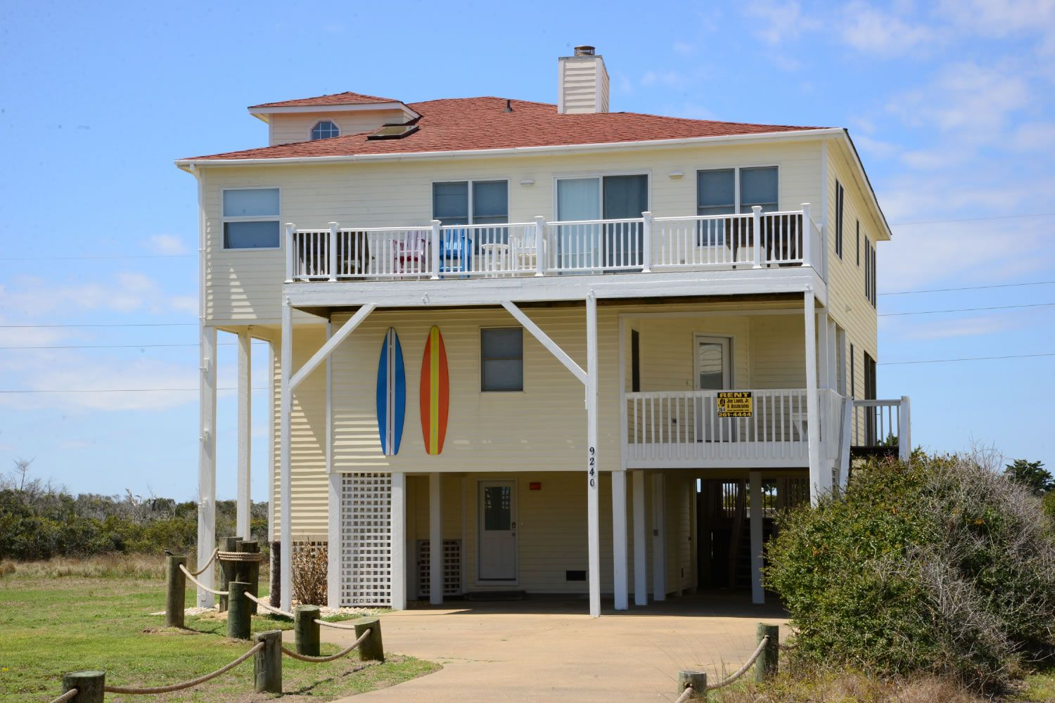 A Perfect Outer Banks Nc 5 Bedroom House Rental In South Nags Head Located Semi Oceanfront Fronts Beach Road