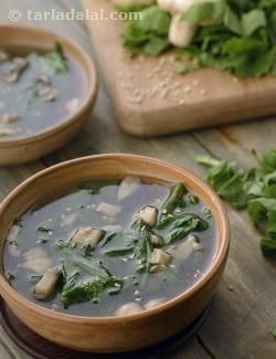 Clear soup with spinach and mushrooms recipe chinese recipes by clear soup with spinach and mushrooms recipe chinese recipes by tarla dalal tarladalal forumfinder Images