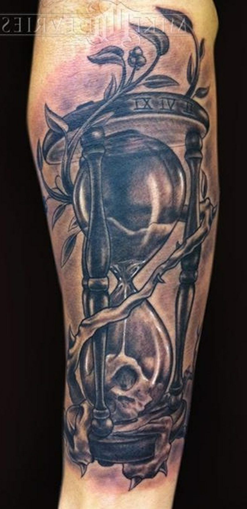 hourglass tattoo simbolismo y origen tatuajes tatouage tatouage sablier ve tatouage amoureux. Black Bedroom Furniture Sets. Home Design Ideas