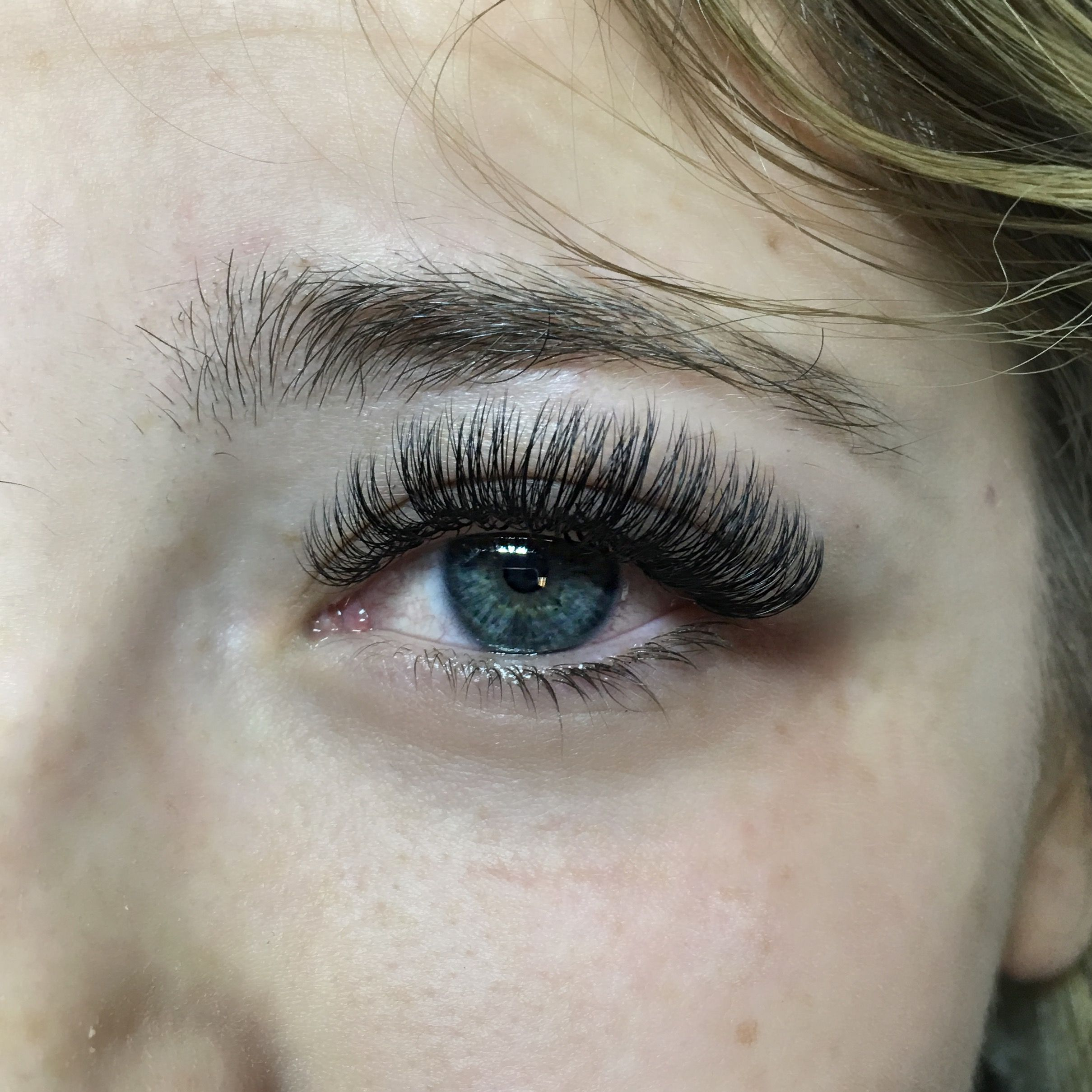 12a46dd580b Love the drama in her lashes. D curl volume full set @maggie_borboleta # lashes #lash #lashartist #eyelashextensions #volumelashes #beauty #eyelashes