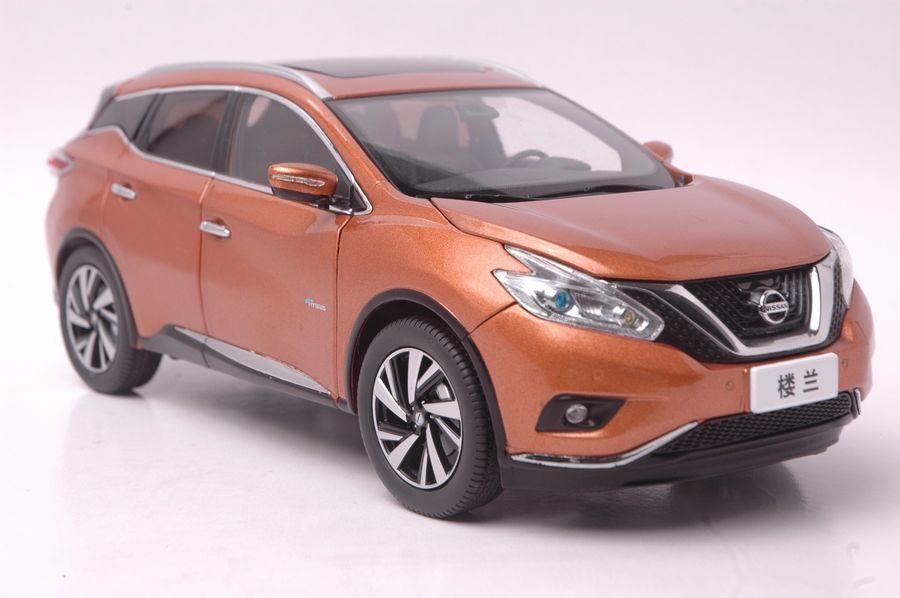 Nissan Murano 2015 SUV model in scale 1:18