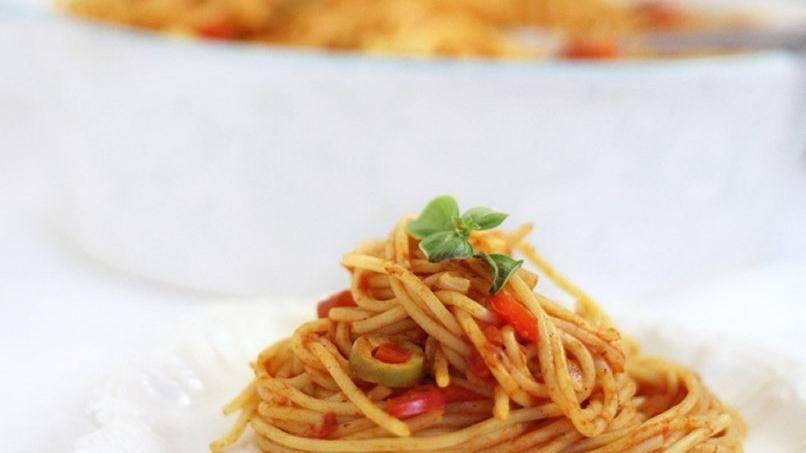 Espaguetis a la Criolla  Receta  cocina  Espaguetis Chuletas de cerdo y Recetas de espaguetis
