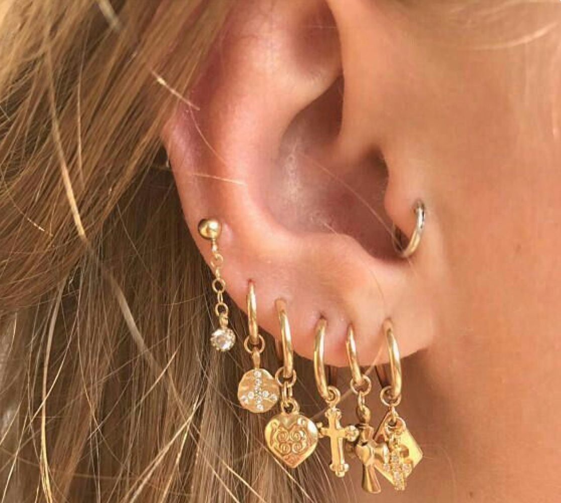 Nose piercing ring vs stud  Pin by Zia Ali on Dpz  Pinterest  Piercings Nuggwifee and Piercing
