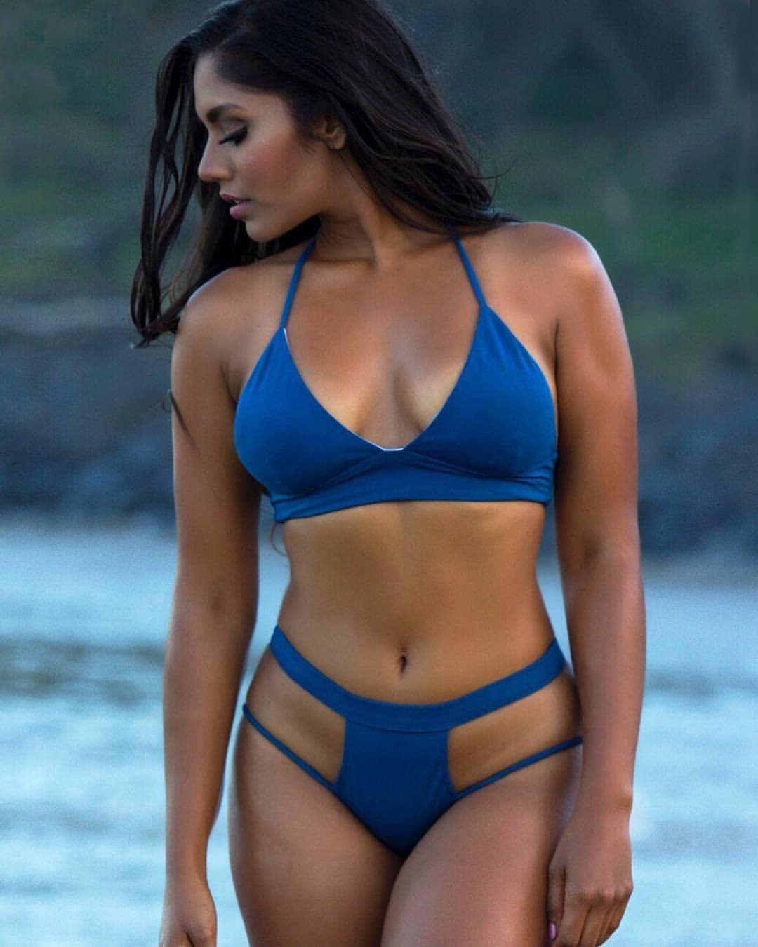 Watch Nina Dobrev Looking Thick In A Bikini video