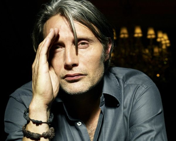 Mads Mikkelsen - cheek-bone support and eye shading at the same time