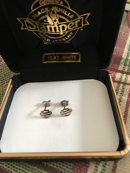 0990250bc Harley Davidson Black Hills Gold Stamper 10k White Gold Earrings ...