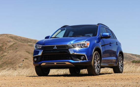 Mitsubishi Recalls 80 000 Vehicles For Cvt Issues Roadshow Roadshow Mitsubishi Outlander Sport Mitsubishi