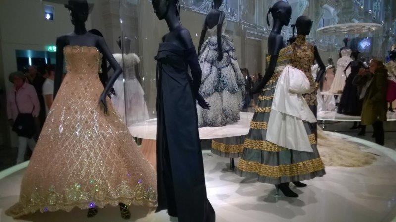 27a249ea92f Exposição da Dior em Paris bate recorde de visitas em 112 anos ...
