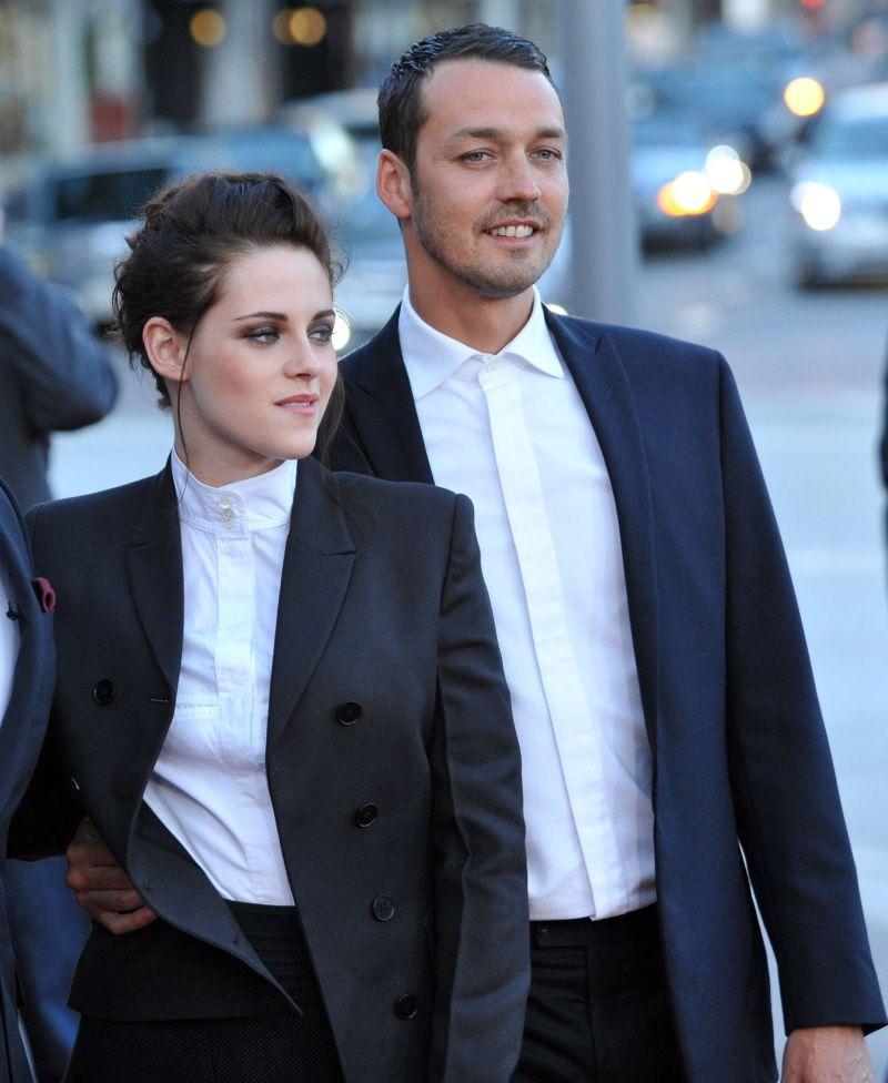 Kristen Stewart is still being pursued by her newly-single ex-lover Rupert  Sanders. Rupert SandersRobert PattinsonKristen ...