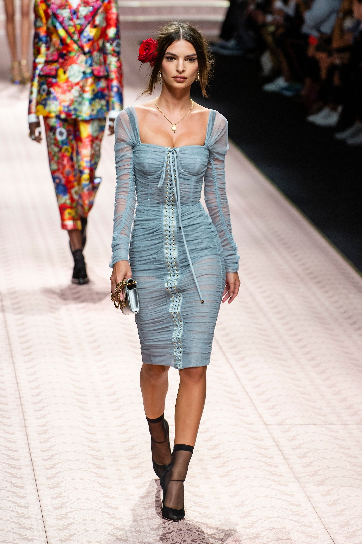 2dcc92becf1 Carla Bruni et Monica Bellucci   supermodels pour Dolce   Gabbana ...