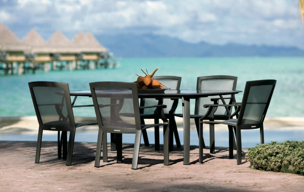 Outdoor #dining Table By Brown Jordan With Beautiful Ocean View.