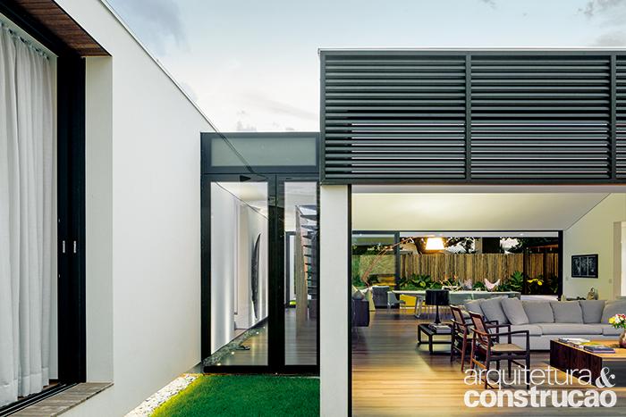 Neste refúgio, dupla de arquitetos foi desafiada a harmonizar espaços novos com partes anteriormente construídas