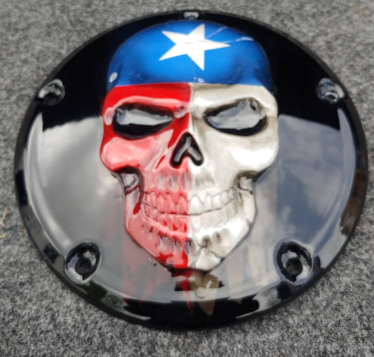 3d Skull With Tattered Texas Flag On A Harley Davidson Clutch Derby Cover Blackandwhiteflag Tatteredflag Flag Derbycove In 2020 Black And White Flag Skull 3d Skull